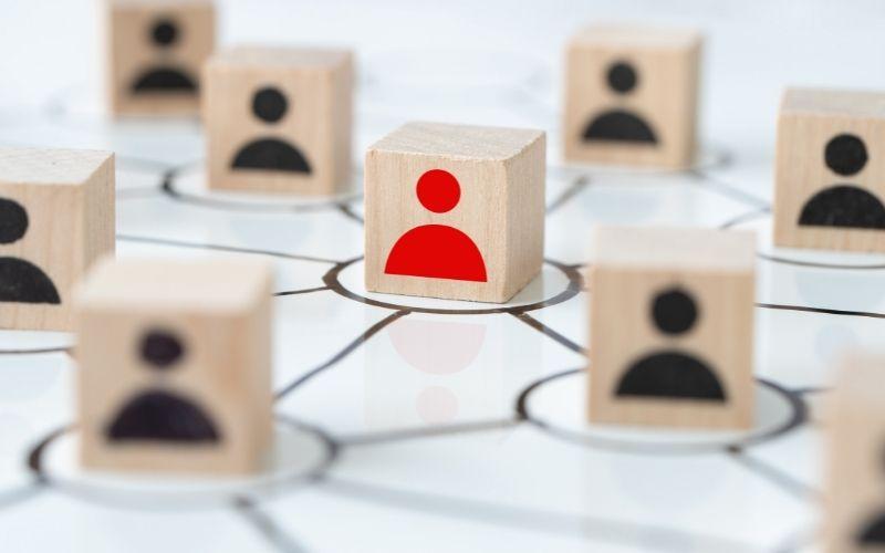 diferencias entre Community Manager y Social Media Manager estrategias